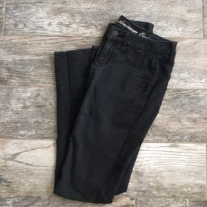 Denim - American Eagle black denim jeggings